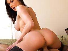 Kendra Lust & Logan Pierce in My Friends Hot Mom tube porn video