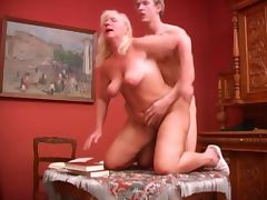 RUSSIAN mom blonde mature with a yong man tube porn video