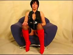 Kinky bitch sucks dick and gets her old cunt fucked tube porn video