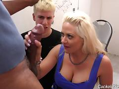 Cumming on her pussy after he wrecks her with his big dick tube porn video