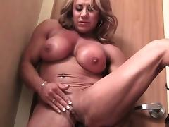 Female Muscle Cougar With A Big Clit tube porn video