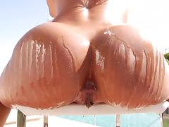 Flexible babe gets her salad tossed and her pussy fucked tube porn video