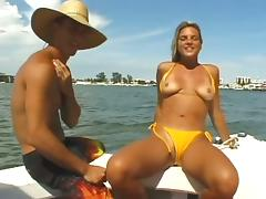 Every good bikini babe should suck dick on a boat like this girl tube porn video
