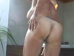 Sexy fitness babe rubs until this babe orgasms tube porn video