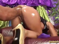 oiled busty milf deep fisting tube porn video