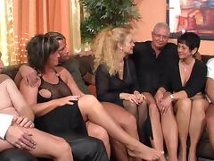 Mature hardcore orgy filled with fucking and sucking tube porn video