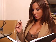 Helping his horny boss Madison Ivy tube porn video