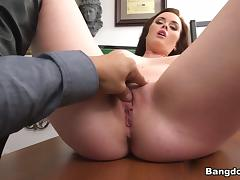 Roxii Blair in Poking Her Pussy Like a Boss! Video tube porn video