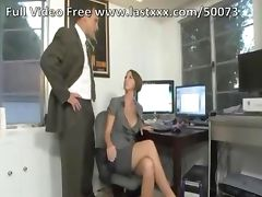 Short hair brunette milf fucks tube porn video