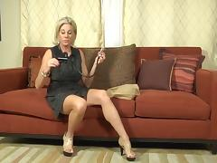 50s Woman uses pump tube porn video