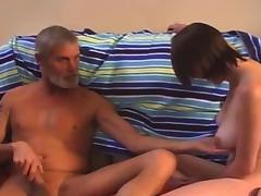 Altbock spielt mit Milchtitten tube porn video