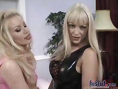 These lesbians love sex tube porn video