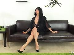 Curvy Tera Patrick is sexy in her black lace lingerie tube porn video