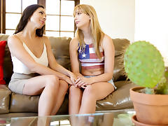 Kirsten Price in Lesbian Adventures - Older Women, College Girls #08, Scene #03 - SweetHeartVideo tube porn video