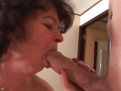 Long thick old dick of a chubby guy fucks the mature slut tube porn video