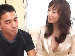 Fascinating Japanese brunette and her amazing cock sucking skills tube porn video