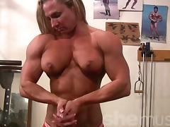 Female Bodybuilder Undresses in Gym tube porn video