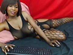 Ebony shows a nip slip tube porn video