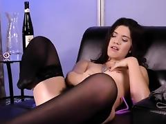 Perfect sweetie is pissing and rubbing smooth slit tube porn video