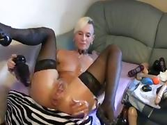 Mature lady breaks own ass tube porn video
