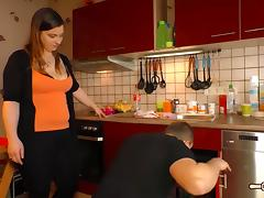 Hausfrau Ficken - Plump German amateur housewife gets cum on tits in exciting hardcore fuck tube porn video