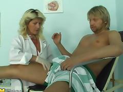 Slutty mature blonde bangs her well-endowed patient tube porn video