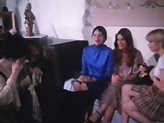 Trois lyceennes a Paris (1979) Marilyn Jess tube porn video