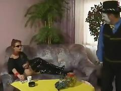 Doro Lupino - Vom Clown in den Arsch gefickt tube porn video