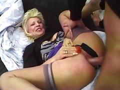 Mamie avec un jeune tube porn video