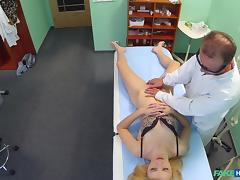 Beatrix in Doctors oral massage gives skinny blonde her first orgasm in years - FakeHospital tube porn video
