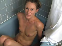 Blonde Amberly Masturbating In The Bath tube porn video