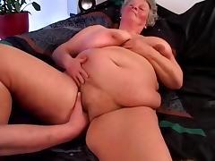 Chubby Mature Nude Sonnenbaden