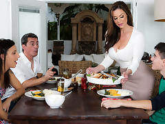 Kendra Lust & Jordi El Nino Polla in Kendras Thanksgiving Stuffing - Brazzers tube porn video