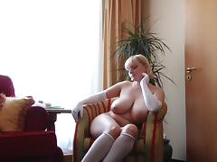 Big boobs gloves tube porn video