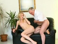 Avid old lad copulates mouth and juicy pussy of a young girl tube porn video