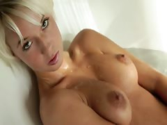 blond beautys Megan morning shower tube porn video