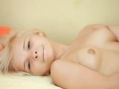Petite 22yo pussy dildoing tight snatch tube porn video