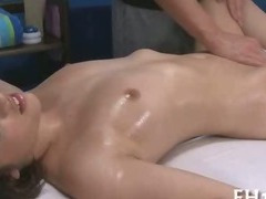 Gorgeous 18 year old cutie tube porn video
