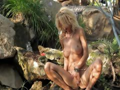 outdoor blonde with huge breasts tube porn video