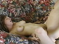 This Hairy Amateur Really Knew that after Such a Good Sucking Her Face will be Covered with Cum tube porn video