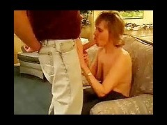 Mature Woman Amateur Sex Tape Short haired mature amateur talks sucks and takes cumshot in this horn tube porn video