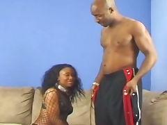 Black whore loves to deepthroat tube porn video