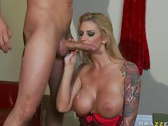 Hot Sex and Deep Throat Action With Brooke Banner's Bubble Butt tube porn video