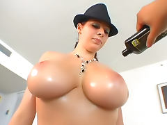 Gianna Michaels makes oiled up porn tube porn video