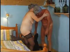 Old lady and anal tube porn video