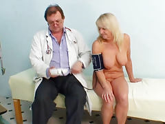 Full naked exam by her doctor tube porn video