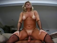 Mature Maid Lynn Ross Fucks Younger Guy tube porn video