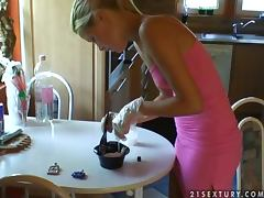 Sophie Moone Doing her mother's hair in the kitchen tube porn video