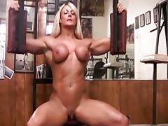 Musculosa pelada com clitoris grande tube porn video