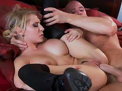 Johnny Sins fucks slender glamorous blonde Madison Ivy tube porn video